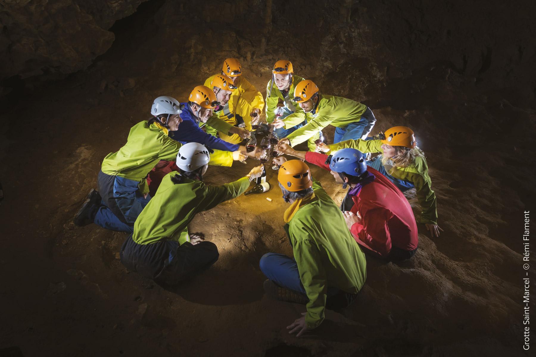 activité speleonologie-_grotte-de-saint-marcel-d_ardeche-flament