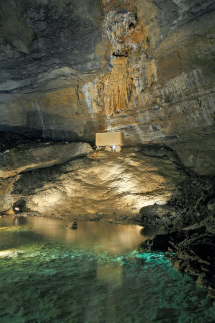 Doubs Anecat Grottes de France gouffre-poudrey-doubs