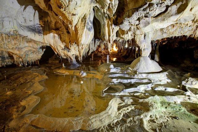 visite-grottes-de-thouzon-vaucluse