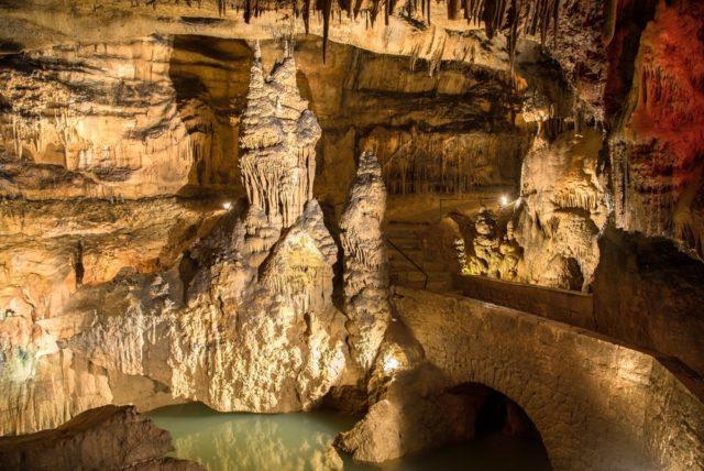 Doubs Anecat Grottes de France grotte osselle Doubs